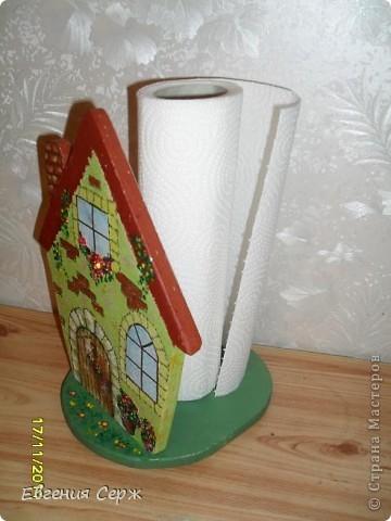 Домик-держатель для бумажных полотенец  домик -великан ключница правда пока без крючечков и держатель для  полотенец или прихваток то же ждет крючков фото 3