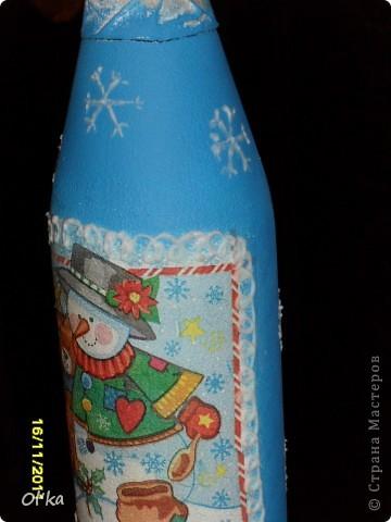 Девочки, здравствуйте! Мне поступает масса просьб о МК по декупажу новогодней бутылочки. Понимаю, что мой МК является третим в четвертой сотне подобных, но...... ПРОСЮТ. :) Сама-то я еще тот декупажник! Учиться и учиться мне еще. :) Эх.... Была не была! фото 6