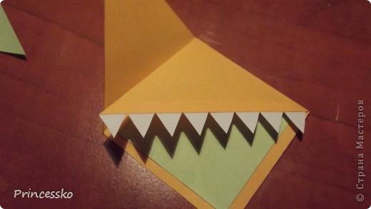 Эти забавные закладки-уголочки сразу покорили моё сердце!!Они такие..зубастые!!Сделаны из офисной цветной бумаги и листочков для записей(у меня 8*8 см). фото 15