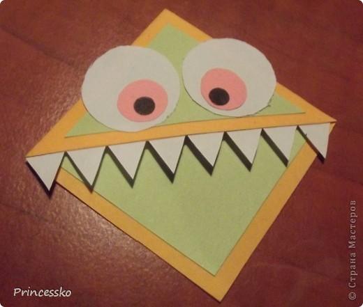 Эти забавные закладки-уголочки сразу покорили моё сердце!!Они такие..зубастые!!Сделаны из офисной цветной бумаги и листочков для записей(у меня 8*8 см). фото 19