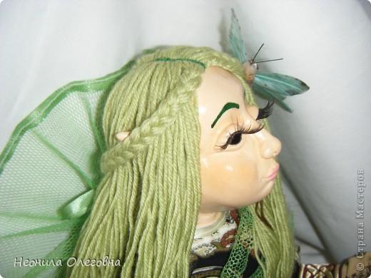 Ну не могла я обойти стороной кукол из полимерной глины. Сама использовала самозастывающую глину Das. Кукла каркасная, руки, ноги гнуться. Волосы - пряжа.    фото 2
