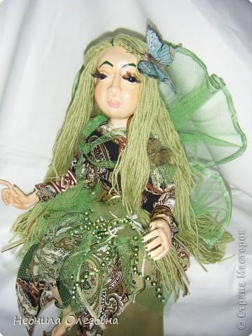 Ну не могла я обойти стороной кукол из полимерной глины. Сама использовала самозастывающую глину Das. Кукла каркасная, руки, ноги гнуться. Волосы - пряжа.    фото 3