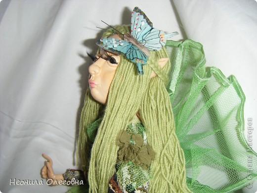 Ну не могла я обойти стороной кукол из полимерной глины. Сама использовала самозастывающую глину Das. Кукла каркасная, руки, ноги гнуться. Волосы - пряжа.    фото 4