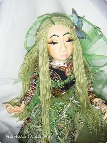 Ну не могла я обойти стороной кукол из полимерной глины. Сама использовала самозастывающую глину Das. Кукла каркасная, руки, ноги гнуться. Волосы - пряжа.    фото 5