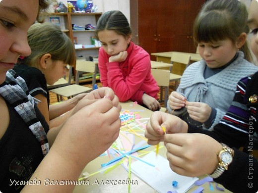 На клубных часах с учащимися готовимся к праздникам, делаем открытки, подарки, сувениры. фото 3