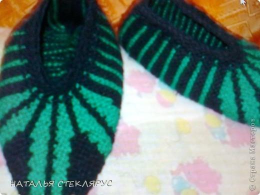 Цветочки из ленточек так и просились на этот черно - зеленый фон. фото 3