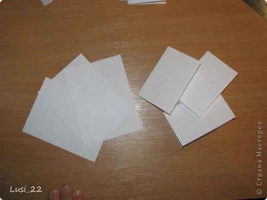 Вот такие  миниатюрные блокнотики у меня получились. Делала по этому МК http://scrapshopchallenge.blogspot.com/2010/11/quest.html фото 4
