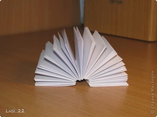 Вот такие  миниатюрные блокнотики у меня получились. Делала по этому МК http://scrapshopchallenge.blogspot.com/2010/11/quest.html фото 5
