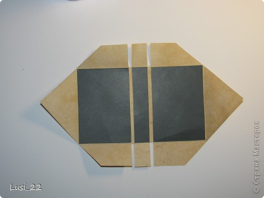 Вот такие  миниатюрные блокнотики у меня получились. Делала по этому МК http://scrapshopchallenge.blogspot.com/2010/11/quest.html фото 11
