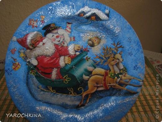 На фото не видно, но все тарелочки переливаются блесточками) фото 1