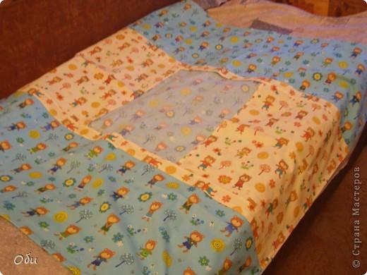 Вот такое одеяло сшила внуку на первый день рождения. Одеяло первое, ошибок полно. фото 3