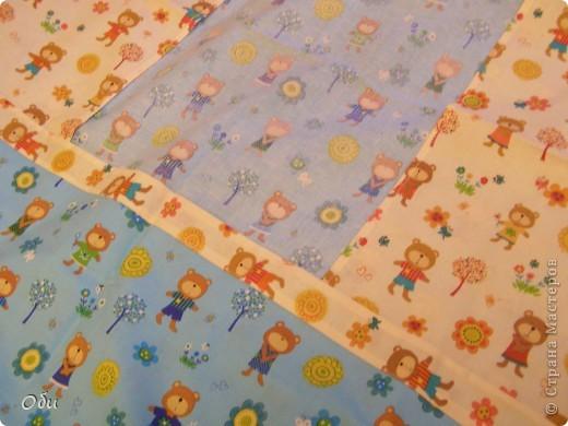 Вот такое одеяло сшила внуку на первый день рождения. Одеяло первое, ошибок полно. фото 4