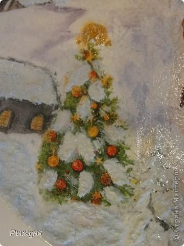 """Здравствуйте Мастерицы!!!! Зима на дворе и поэтому  опять новогодние тарелочки.Использовала мотивы нескольких салфеток, пасту """"белый снег"""", глиттерную пасту, финишный лак Тиккурила фото 4"""