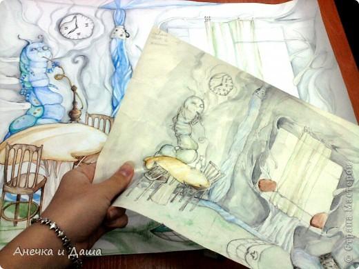 """Здравствуйте! Сегодня я покажу вам некоторые из моих рисунков. На этом фото можно увидеть эскиз и основной рисунок """" Комната Алисы"""". Эта работа выставлялась на конкурс по оформлению комнат, интересным решениям. фото 1"""