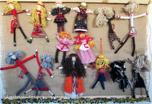 Коллекция моих кукол на рогатине увеличивается. Иногда просто невозможно устоять от красоты и изящества рогатины. Вот так и рождаются куклы в танце. фото 1