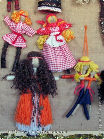 Коллекция моих кукол на рогатине увеличивается. Иногда просто невозможно устоять от красоты и изящества рогатины. Вот так и рождаются куклы в танце. фото 5