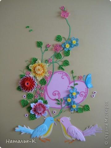 Вот такое сердечное гнёздышко в красивых зарослях цветов у меня получилось. У наших дочери и зятя 23 ноября - 10 летие со дня свадьбы!Картина для них, ну и конечно же ещё плюс денежный подарок. фото 4