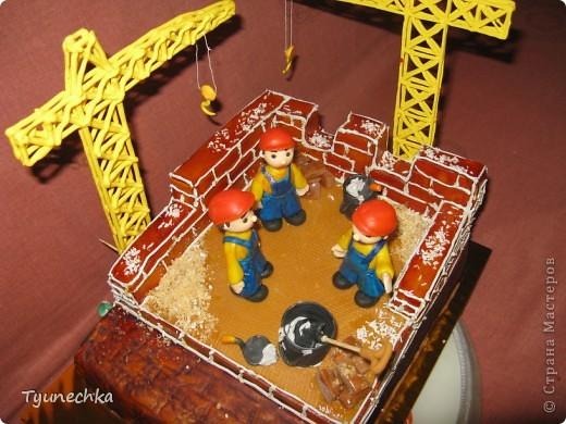 Именинный торт для профессионального строителя. Именинник был шокирован, но очень доволен :) фото 2