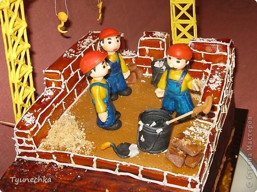 Именинный торт для профессионального строителя. Именинник был шокирован, но очень доволен :) фото 6