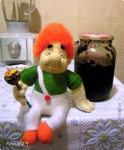 Хочу похвастаться своими игрушками из войлока. Делала их в подарок.  Карлсон, который живет на кухне :) фото 1