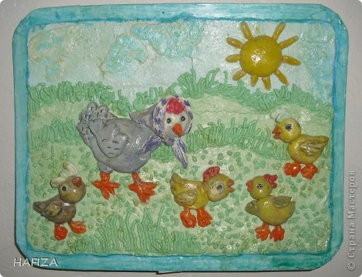 курочка носится с цыплятками