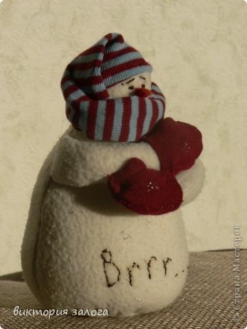Озябший снеговик - это небылица конечно.. Просто он пока одинок и грустит... фото 2