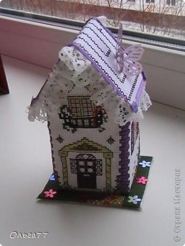 Представляю на ваш суд мою первую работу  в вышивке 3D. Объёмный летний домик. фото 3