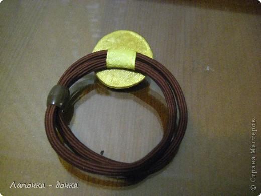 Вырезаем круг нужного размера. Я вырезала из картона, который остался от дет. пазлов. фото 9