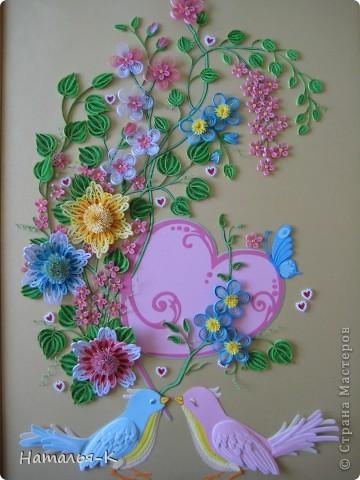 Вот такое сердечное гнёздышко в красивых зарослях цветов у меня получилось. У наших дочери и зятя 23 ноября - 10 летие со дня свадьбы!Картина для них, ну и конечно же ещё плюс денежный подарок. фото 5