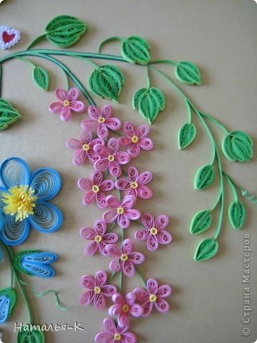 Вот такое сердечное гнёздышко в красивых зарослях цветов у меня получилось. У наших дочери и зятя 23 ноября - 10 летие со дня свадьбы!Картина для них, ну и конечно же ещё плюс денежный подарок. фото 14