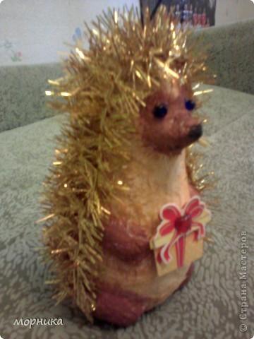 Ежик идет на праздник. фото 2