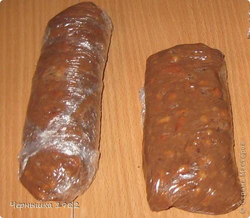 """Дочка, попросила что-нибудь вкусненькое. Как раз дома лежали печенья, а раз их никто не ел, решила с них сделать """"колбаску"""".... Тем более, все ее очень любят.  фото 2"""