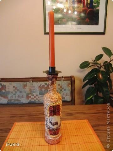 Скромная бутылочка для свечи. Работа грубовата, но так и было задумано, т.к. предназначена для винного погреба, а стильная вещь там будет просто  неуместна.  фото 3