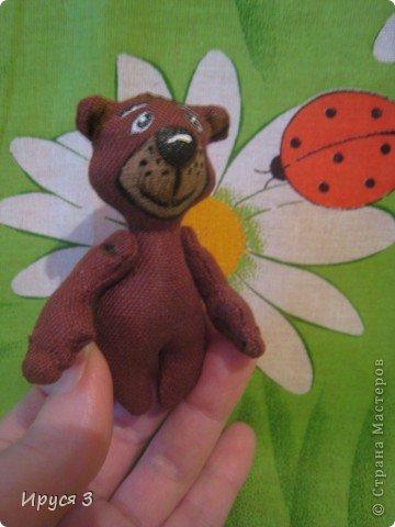 Мишутка ростом 7,5 см , сшит из льна -)))  фото 3