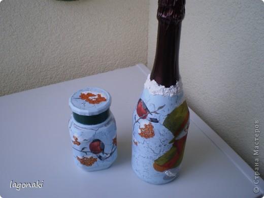 Я тоже поддавшись Новогоднему ажиатажу сделала бутылочку и баночку.Снежок манка и краска. фото 3