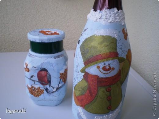 Я тоже поддавшись Новогоднему ажиатажу сделала бутылочку и баночку.Снежок манка и краска. фото 1