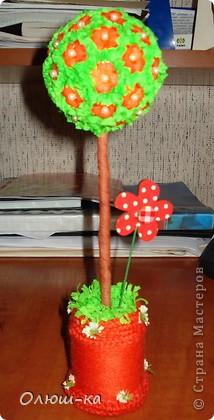 Всем добрый день. Вот сделала еще деревце. Очень я их люблю, но рождаются они у меня тяжело.  фото 3