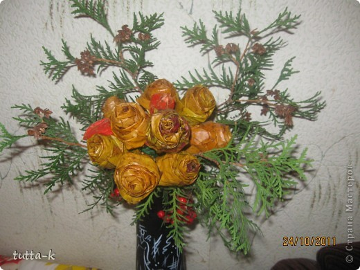 эти розы обработаны воском, мне кажется, они лучше сохранили свой цвет  фото 2