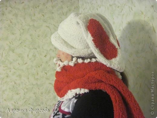 Значит сразу были хотелки... Хотелки были такие:  хочу шапочку, теплую, но с ушками, но не такую с ушками, как у меня уже есть https://stranamasterov.ru/node/176069 , а какую-нибудь другую, но тоже красивую. Вот. Это вам не просто так)))) Мама долго думала, крутила и так и эдак..  И вот он - результат!!! фото 3