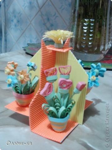 Подставочка с цветами была подарена свекрови на 8 марта (она большая любительница цветов). Сама идея подсмотрена на просторах инета и очень мне понравилась фото 3