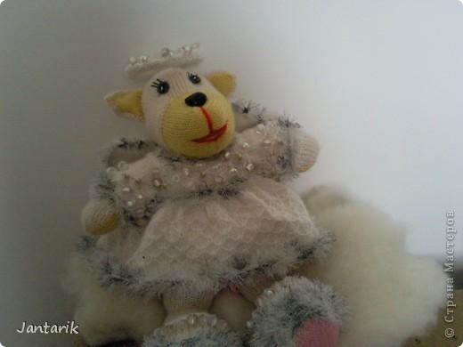 Незадолго до Нового Года народилась у меня вот такая Мишка-ангелок от Mirabilis с сайта Сатилина. Вся такая нежная,пушистая, на голове нимб,... фото 4