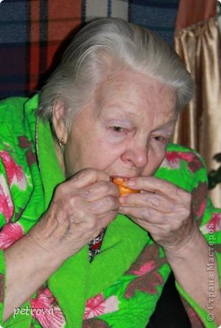 Спрашивают - какие на вкус мандарины, выращенные на балконе. Если посмотрите этот репортаж до конца - увидите.   Вот они какие красивые ...   фото 9