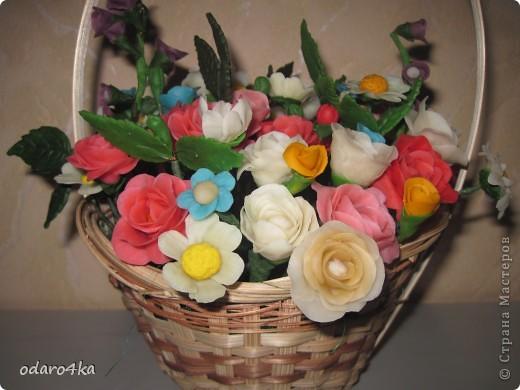 Вот такая получилась корзинка с цветами. фото 1
