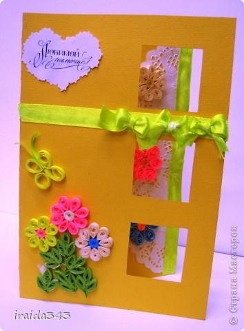 Попробовали с пятиклассниками крутить квиллинг. Получилось не очень, но решили первыми цветочками украсить открытки для мам. Освоили искусство картмейкинга фото 5