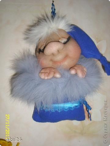 Вот такой еще один замечательный срлюшкин у меня родился благодаря Елене Лаврентьевой, на сайте pawi https://stranamasterov.ru/user/40274.  Растет мое сообщество сплюшкиных, и кажется они наконец-то у меня начали засыпать.  фото 2