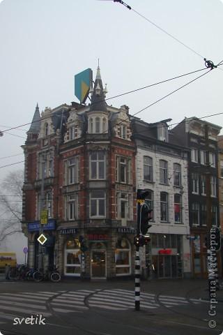 Итак, продолжим нашу прогулку по Амстердаму... Улицы узкие везде, поэтому очень много маааленьких автомобилей и , конечно, велосипедов... фото 6