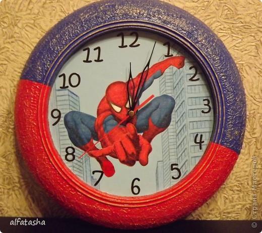 Икеевские часы, салфетка, подрисовка, текстурная паста, акриловые краски фото 1