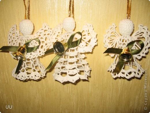 """Вот такие ангелы связались к Новому году. Большие связаны из ниток """"Снежинка"""", крючок 0,75, а маленькие из троицкой Алины, крючок 1,3. фото 4"""