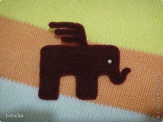 а этот слоник обшит белой нитью!вам какой больше нравится?мааааленький такой,всего 4,5 см;) фото 2