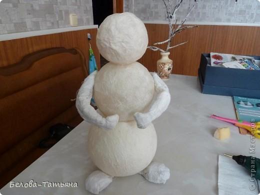 На улице снега не дождаться, делаем снеговичка дома.  фото 3